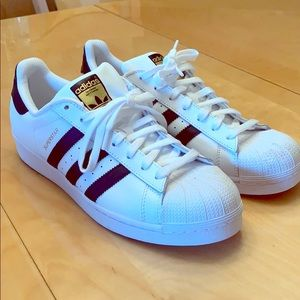 Women's 11 Adidas superstar sneakers